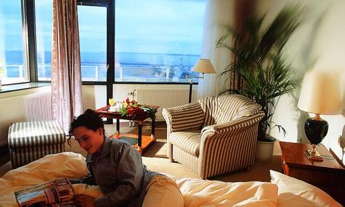 Beispiel: Eines der Hotelzimmer mit Meerblick