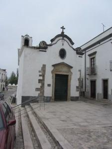 eine der vielen Kirchen in Tavira