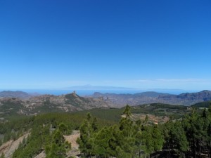 Blick auf Teneriffa von der Inselmitte aus - Gran Canaria