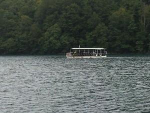 Boote für Besucher in Plitvice