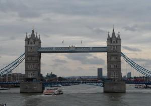 Die Tower Bridge - Blick von Bord der FTI Berlin
