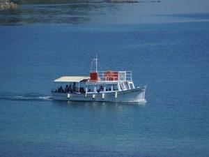 Mit dem Boot von Korfu nach Benitses