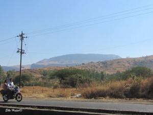 die hügelige Landschaft in Maharashtra