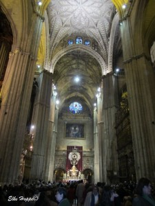 eine Messe in der Kathedrala Santa Maria de la Sede