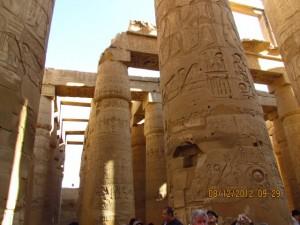 Berühmte Säulen im Karnak Tempel