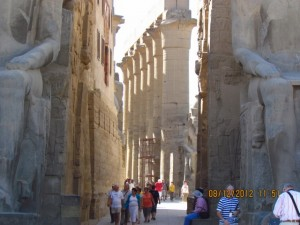 Statuen am Luxor Tempel