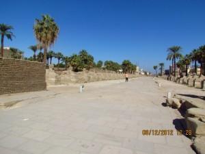 Straße am Luxor Tempel
