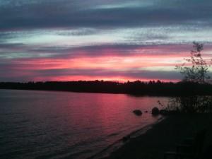 Malerischer Sonnenuntergang am Abram Lake
