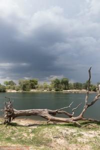 Eindrucksvolle Flusslandschaft im Sambesi Nationalpark