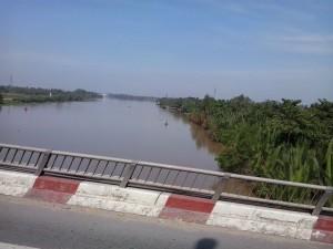 einer der vielen Flüsse im Mekong Delta