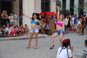 Tänzerinnen in Havanna