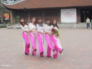 junge Mädchen in Hanoi