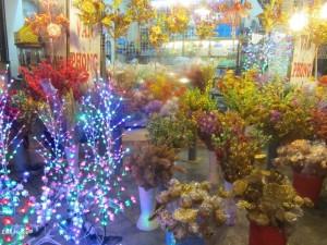 bunter künstlicher Blumenschmuck