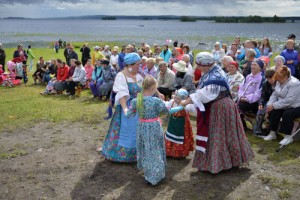 karelische Folklore, nationale Tracht, Straßenfest