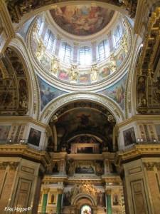 die Kuppel der Kathedrale St. Isaak