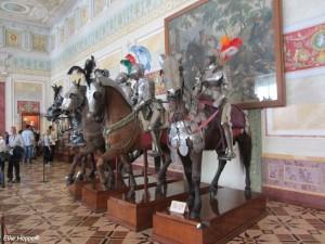 Rüstungen für Mann und Pferd