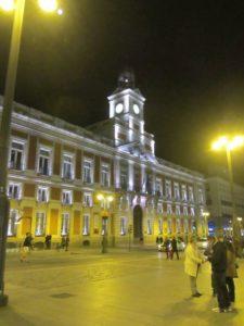 Puerta del Sol bei Nacht