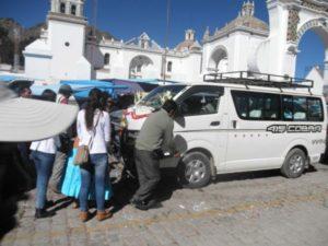Autos können auch getauft werden in Bolivien