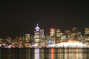 Blick auf Vancouver bei Nacht