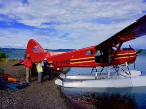 Die Singles landen mit dem Wasserflugzeug