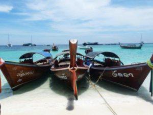 Langboot auf Koh Tao