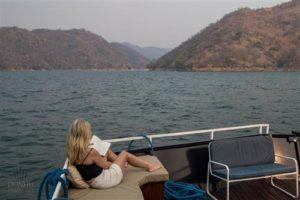 hausboot umbozha an der sanyati schlucht