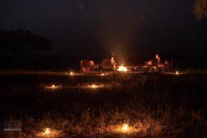 Lagerfeuer an der Mana Pools Safari Lodge
